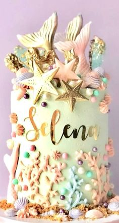 MERMAZING Ideas for Mermaid Birthday Cakes that your kid will LOVE - even some DIY Mermaid Cakes! Find cakes that will inspire the best Mermaid cake ever! Little Mermaid Cakes, Mermaid Birthday Cakes, Mermaid Cupcakes, Cute Birthday Cakes, Girl Birthday, Birthday Parties, Teenage Girl Cake, Sirenita Cake, Bolo Fack