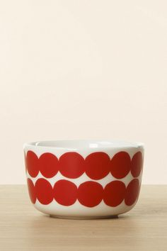 Marimekko Räsymatto Small Bowl 2.5 dL Red Marimekko, Pie Dish, Serving Bowls, Decorative Bowls, Diy Projects, Small Bowl, Dishes, Tableware, Red
