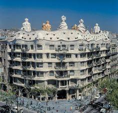 Casa Mila(1906-1910),Antoni Gaudi