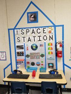 Space station Outside space. it really is any minor child's dream. Why don't you produce Space Theme Classroom, Space Theme Preschool, Space Activities, Preschool Activities, Dramatic Play Area, Dramatic Play Centers, Cosmos, Daycare Spaces, Space Crafts For Kids