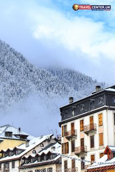 This picture features the Chamonix town in France. It's an intensely elegant place that has been getting more & more attention from travellers in recent years. Will it make it on your list of places to visit? Cheap Holiday, Holiday Deals, Winter Holiday Destinations, Best Christmas Markets, Travel Center, Snow Much Fun, Winter Holidays, Favorite Holiday, Fun Activities