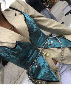 Wrap chain belt with charms over silk corset vest Fashion Details, Look Fashion, Winter Fashion, Fashion Design, 2000s Fashion, French Fashion, Korean Fashion, Mode Outfits, Fashion Outfits