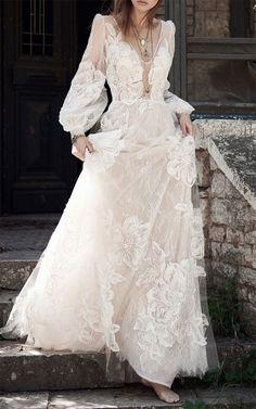 Floral lace wedding dress #weddingdress #weddingdresses #weddinggown #floraldress