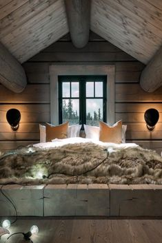 When decorating your rustic bedroom there are a lot of questions to answer. One of the most important is- how rustic do you want it to look. Rustic style in … Attic Design, Interior Design, Design Interiors, Design Room, Bed Design, Stylish Bedroom, Cabin Interiors, Large Bedroom, Cabin Homes