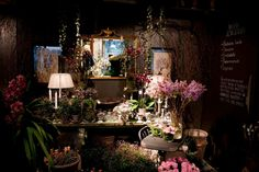 Herr & Fru Jørgensen  Blomsterbutikken som har det litt anderledes utvalget! Velkommen innom!