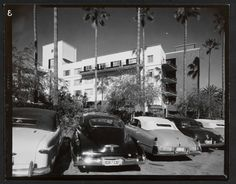 The Beverly Hills Hotel addition, designed by architects Paul Williams and Elmer Grey, and photographed by Julius Schulman (1950)