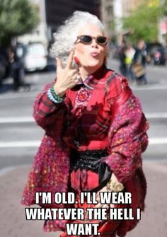 Fashion looks for women over 60 more from advanced style ageless style in 2 Trop Top, Moda Hippie, Beautiful Old Woman, Aged To Perfection, Ageless Beauty, Advanced Style, Young At Heart, Aging Gracefully, Fashion Over 50