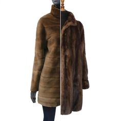 Sin lugar a dudas, es uno de nuestro modelo más elegido ; es adaptable, casual, cómodo... expresando una alta peletería actual. #modamujer #modainvierno #chaquetas #instamoda #tallerdecostura #artesanía #custom #fashion #altacostura #altamoda #antesydespues #beforeandafter Fur Coat, Jackets For Women, Leather Jacket, Fashion, High Fashion, Templates, Short Jackets, Women's Jackets, Craft Work