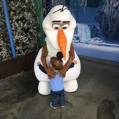 Taylor gave Olaf what he loves the most. A big warm hug!!! by dewmangrp