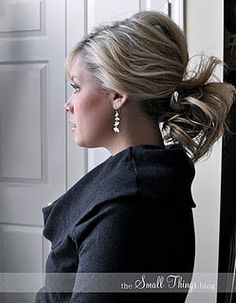 Great tutorial if you, like me, have a hard time making a ponytail actually look good!