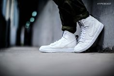 A Closer Look at the Dover Street Market x Nike Dunk Lux High