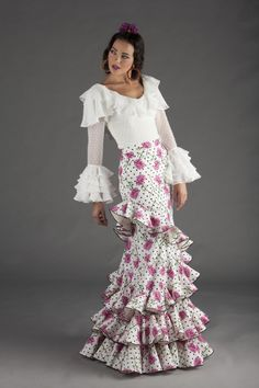 Flamenco Wedding, Spanish Dress, Boy Fashion, Womens Fashion, Blouse Designs, Gypsy, Flamenco Dresses, Chiffon, Boho
