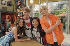 Austin Ally Episode Princesses Prizes Airs On Disney Channel February 2014 Disney Channel Shows, Disney Shows, Ross Lynch, Calum Worthy, Family Channel, Laura Marano, Austin And Ally, Girl Meets World, Celebs