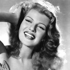 Rita Hayworth, gorgeous. I <3 cover girl.