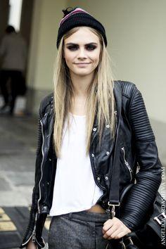 Cara. I love you but I'm going to have to steal your moto. actually, all of them now that I think about it. #offduty and looking fab once again... #CaraDelevingne ladies and gentlemen.