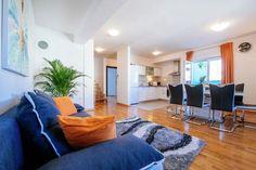 Orange rainbow apartment  Ruim appartement op twee niveaus 4 kamers met airconditioning een eigen garage  EUR 877.17  Meer informatie  #vakantie http://vakantienaar.eu - http://facebook.com/vakantienaar.eu - https://start.me/p/VRobeo/vakantie-pagina
