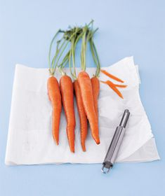 Use plastic bags to peel vegetables and fruits, instead of cutting boards or sink. Just toss it into the trash bag when you are done.