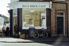 Blue Brick Café in London / photo by Mary Gaudin