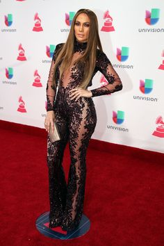 Jennifer Lopez Photos Photos - Actress/singer Jennifer Lopez attends The 17th Annual Latin Grammy Awards at T-Mobile Arena on November 17, 2016 in Las Vegas, Nevada. - The 17th Annual Latin Grammy Awards - Red Carpet