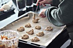 Nyttiga kakor - Foodjunkie - Metro Mode Good Food, Yummy Food, Tasty, Fika, Granola Bars, Lchf, Gluten Free Recipes, Free Food, Healthy Snacks