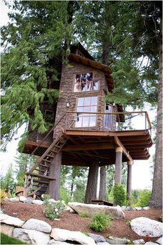 Architecture - Tree House - Lake Pend Oreille in Idaho