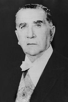 Português: Foto oficial de Emílio Garrastazu Médici, presidente do Brasil entre 1969 e 1974.