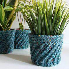 Spiral Crochet Planter Cover - free pattern