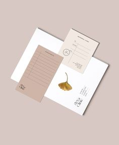 minimal stationary design | by Loolaa