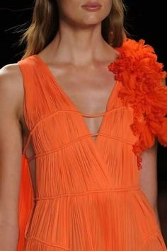 Mendel at New York Fashion Week Spring 2013 - Details Runway Photos Jaune Orange, Coral Orange, Orange Dress, Orange Color, Orange Style, Orange Peel, Tangerine Dress, Orange Outfits, Orange Twist