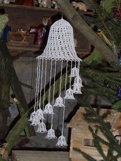 bolillo o crochet Holiday Crochet, Crochet Home, Crochet Crafts, Christmas Crafts, Christmas Decorations, Christmas Ornaments, Crochet Square Patterns, Weaving Art, Wind Chimes