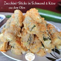 Diese vegetarischen Zucchini Sticks mit Dip kannst du schnell selber zubereiten. Das Rezept dafür ist einfach. Die Zucchinisticks schmecken saftig von innen und knusprig von außen. Sie sind perfekt als Partyfood oder als Snack zwischendurch. #ZucchiniSticks #ZucchiniSticksRezepte