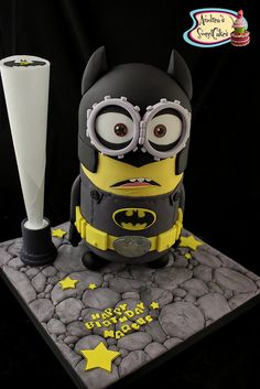 Batman Minion - For all your cake decorating supplies, please visit… Torta Minion, Bolo Minion, Batman Minion, Minion Cakes, Cake Icing, Fondant Cakes, Eat Cake, Pastel Minion, Despicable Me Cake