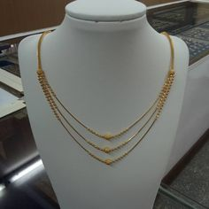 In this article, we have shown you the latest gold necklace and gold chain designs. Gold Chain Design, Gold Bangles Design, Gold Earrings Designs, Gold Jewellery Design, Necklace Designs, Gold Designs, Gold Jewelry Simple, Gold Wedding Jewelry, Black Jewelry
