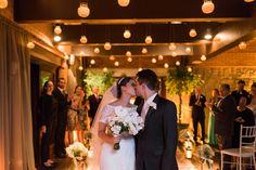 Oi gente linda!!! To adorando postar as fotos do casamento, é tão bom relembrar cada pedacinho dese dia super especial!! Hoje é dia de contar e mostrar um pouco mais sobre a cerimônia, o post vai s…