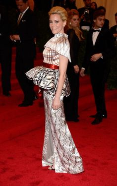 Elizabeth Banks looking crazy beautiful in a Mary Katrantzou fall 2012 gown I just noticed for the first time a few days ago.  Love that she's wearing this sculptural craziness. #MetGala