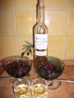 Dessert - cerises rhum cannelle ou cerises à l'armagnac (cerises maison) avec un petit verre de Saussignac ou un autre vin moelleux.  J'attends le Nuit Noire de mon vignoble préferé, Château Bois Beaulieu, St Sauveur de Meilhan, première année de production vins blancs :)
