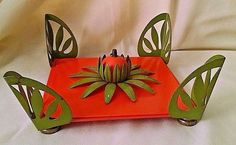 NAPKIN HOLDER VINTAGE AVOCADO GREEN ORANGE 3D METAL 2 PC FIGURAL ON LEGS TABLE