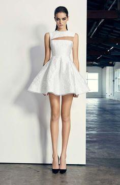 Alex Perry ready-to-wear autumn/winter - Vogue Australia Cute Dresses, Beautiful Dresses, Short Dresses, Beautiful Legs, Look Fashion, Fashion Show, Fashion Design, Fall Fashion, Look Formal