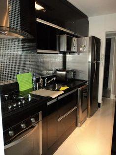 Cozinhas em fórmica preta brilhante