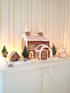 Simple-Inspiring  Gingerbread House Ideas-2