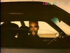 Grace Jones in a 1985 Citroën Cx 2 car commercial directed by Jean-Paul Goude. (Video: http://www.culturepub.fr)