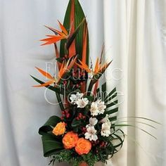 Arrangements funéraires | Fleuriste Cléome Arrangements Funéraires, Website, Plants, Floral Design, Floral Arrangements, Fresh Flower Arrangement, Plant, Planting, Planets