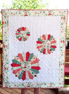 Dresden Burst Baby Quilt Sewing Tutorial.  A different take on a traditional Dresden plate quilt