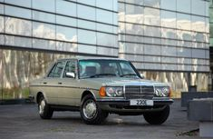 Why The W123 Is Still The Epitome Of Mercedes-Benz Quality • Petrolicious