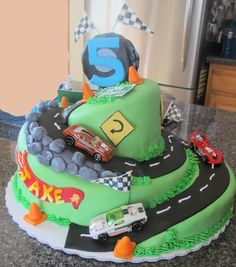 Hot Wheels Cake... @Taryn H Parsons You think this is too adventurous for Cole's Birthday?