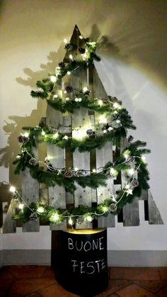 Albero di Natale pallet idea + ceppo in legno tinto con vernice effetto lavagna - Christmas Tree