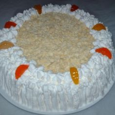 Receita de Bolo trufado de abacaxi - Massa, 6 unidades de ovo, 2 xícaras de açúcar, 3 xícaras de farinha de trigo com fermento ou (1 colher sopa de fermento...