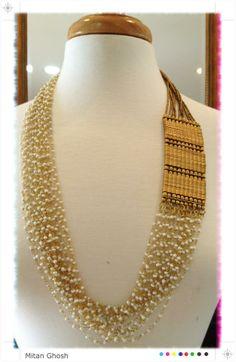 Beautiful via Designer Mitan Ghosh, New Jersey… Stone Jewelry, Beaded Jewelry, Beaded Necklace, Necklaces, Gold Jewelry, Indian Jewelry, Wedding Jewelry, Jewelery, Ornaments