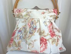 Shabby chic purse, bambu handle, patchwork