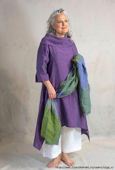 Terry Macey Paris tunic over Morocco trousers Irish linen shawl Boho Fashion Over 40, 60 Fashion, Plus Size Fashion, Fashion Outfits, Womens Fashion, Designer Kurtis, Moda Hippie, Moda Chic, Mode Boho